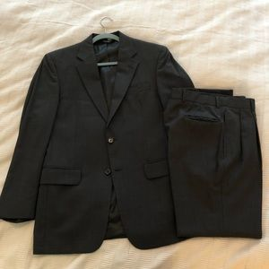 Jos. A. Bank Charcoal Suit (38R, 100% wool)